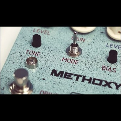 3 drive modes in one pedal! Low to medium gain, tube-like overdrive! #alengeere #methoxy